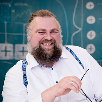 Dr. Dominik Renzel