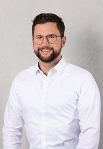 Christoph Holinski ist Manager Projects, Strategy and Transformation bei camano GmbH & Co. KG